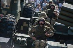 乌克兰美国独立日的军事游行 免版税库存图片