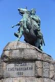乌克兰英雄波格丹赫梅利尼茨基的纪念碑在基辅广场,乌克兰 免版税库存照片