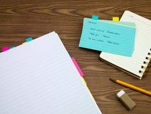 乌克兰语;学会在笔记本的新的语言文字词 库存图片