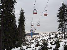 乌克兰滑雪胜地Dragobrat倾斜在10月 免版税库存照片