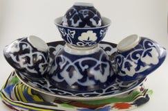 乌兹别克人全国盘和杯 库存图片