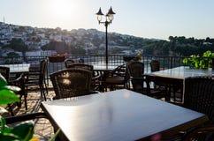 乌尔齐尼,黑山老镇的舒适酒吧餐馆  库存图片