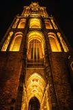 乌得勒支,荷兰- 10月18 :有夜间照明设备的古老欧洲教会 乌得勒支-荷兰 免版税图库摄影