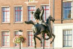 乌得勒支 女孩的雕塑马的 库存图片