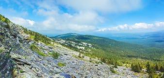 乌拉尔山脉的全景 库存照片