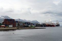 乌斯怀亚海港-最南端的城市在世界上 免版税库存图片