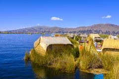 乌罗什海岛的当地乌罗什村庄 免版税库存图片