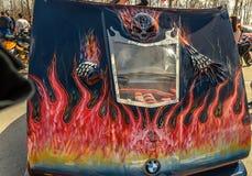 乌里扬诺夫斯克,俄罗斯- 2017年4月29日摩托车季节开头 俱乐部汽车的设计的片段 在敞篷的骨骼 免版税库存图片