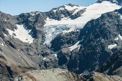 乌鸦冰川在南阿尔卑斯山 免版税图库摄影
