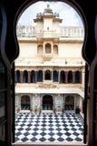 乌代浦有棋地板的市宫殿 免版税库存图片