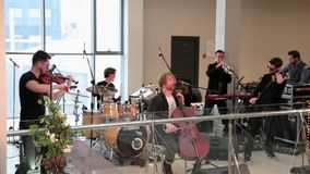 乐团执行在音乐会 影视素材