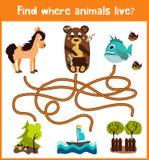 乐趣和五颜六色的难题比赛儿童发育的哪里发现鹿、镶边花栗鼠和鱼 幼儿园的训练迷宫 库存图片