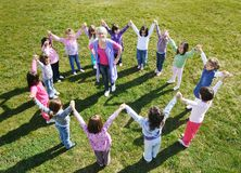 乐趣有孩子室外幼稚园 库存图片