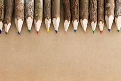 乐趣自然木头色的铅笔蜡笔 免版税库存图片