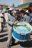 乐队在科恰班巴演奏在节日的音乐 免版税库存照片