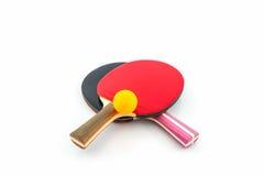 乒乓球(乒乓球)球拍和球 免版税库存照片