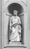 乔万尼・薄伽丘雕象在佛罗伦萨 免版税库存照片