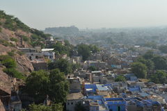 乔德普尔城,拉贾斯坦,印度 在老城市的荒地阴霾 免版税库存照片