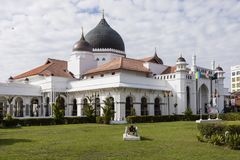 乔治城,马来西亚, 2017年12月19日:看法从清真寺之外 免版税库存照片