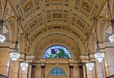 乔治大厅内部利物浦st英国 免版税图库摄影