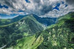 乔治亚山自然风景美好的夏天Kazbegi 库存图片