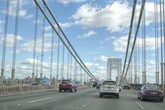 乔治・华盛顿桥梁交通 免版税库存照片