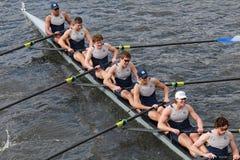 乔治城大学在查尔斯赛船会头赛跑  免版税库存图片