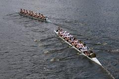 乔治城大学在查尔斯赛船会头赛跑  免版税库存照片