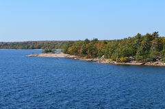 乔治湾, Killbear省公园,安大略,加拿大岩石海岸线  免版税库存图片