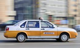 乘出租车在路在长春市中心,中国 免版税库存图片