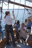 乘员组装配夏威夷头目的风帆 免版税图库摄影