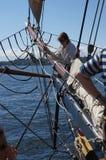 乘员组装配夏威夷头目的风帆 免版税库存照片