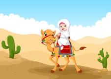 乘坐一头骆驼的阿拉伯女孩的例证在沙漠 免版税库存照片