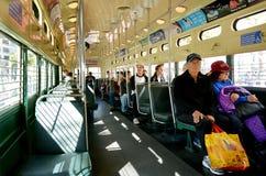 乘客在旧金山的原始的双端的PCC str乘坐 库存图片