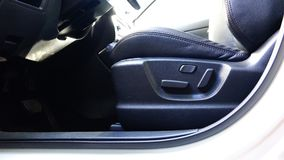 乘客座位记忆按钮调整司机` s位子 股票录像