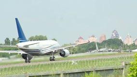 乘客班机起飞,天时间,航空器加速,飞行 股票视频