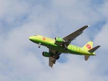 乘客空中客车A319-114西伯利亚航空公司 免版税图库摄影