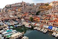 在老市马赛乘快艇港口 免版税库存照片