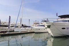 乘快艇码头下午, wuyuanwan海湾 库存照片