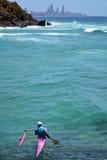 乘独木舟在冲浪者天堂-昆士兰澳大利亚 库存照片