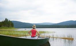 乘独木舟在湖Noel 免版税库存图片