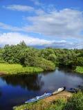 乘独木舟的夏天 免版税库存图片