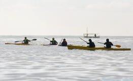 乘独木舟的012 库存照片