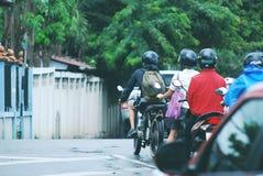 乘驾摩托车/泰国 免版税图库摄影