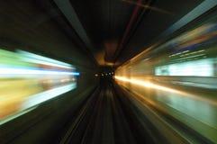 乘驾隧道 免版税库存照片