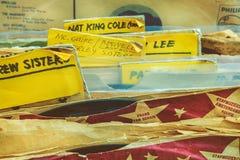 乙烯基与艺术家标签的转盘纪录 免版税库存图片