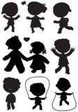 九个孩子染黑剪影传染媒介 免版税图库摄影