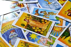 九五芒星形占卜用的纸牌成功繁荣财富财政稳定 皇族释放例证