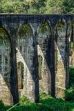 九曲拱桥梁在埃拉,斯里兰卡 库存照片