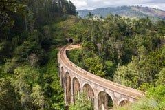 九曲拱桥梁在斯里兰卡,埃拉 库存图片